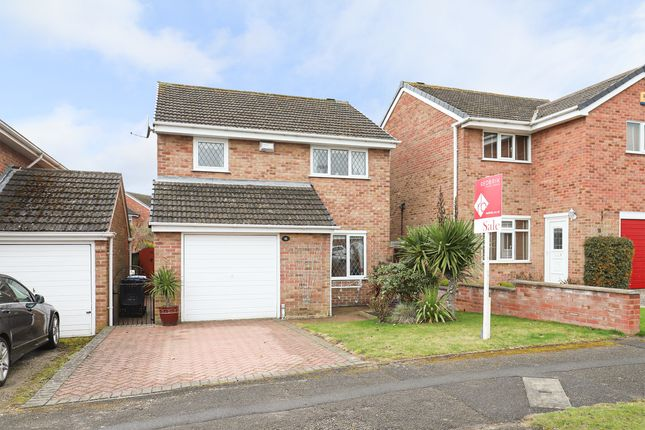 3 bed detached house for sale in Elkstone Road, Chesterfield S40