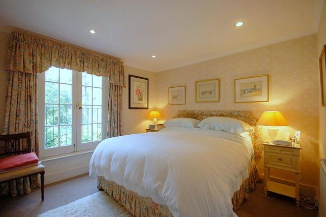 Thumbnail Terraced house to rent in Alderney Street, Westminster, London
