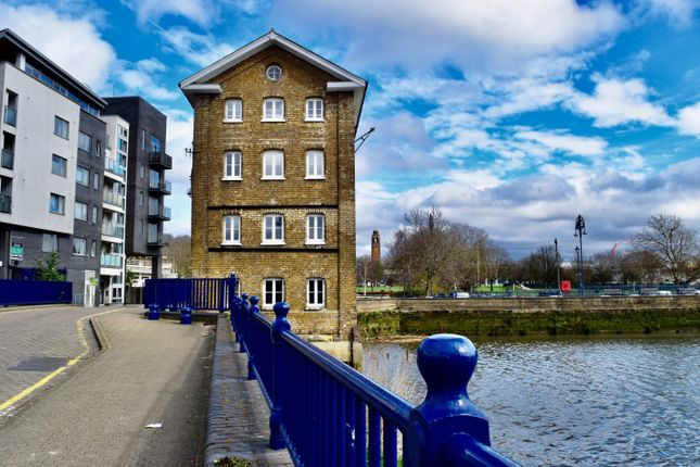 Thumbnail Leisure/hospitality to let in Old Granary - Town Quay, London