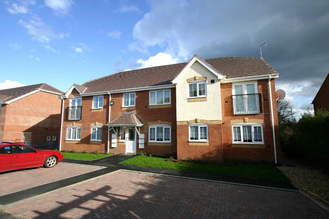 Thumbnail Flat to rent in Shropshire Way, West Bromwich