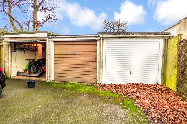 Garage (Middle) of Abingdon Gardens, Odd Down, Bath BA2