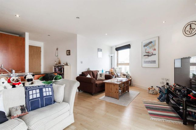 2 bed flat for sale in Magellan House, Armouries Way, Leeds LS10