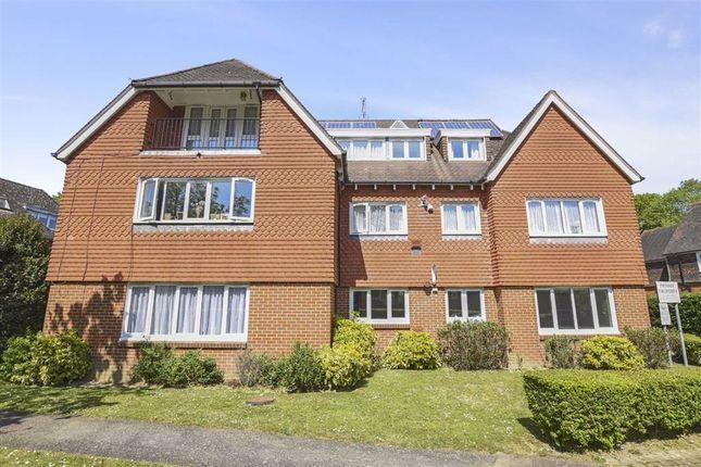 Thumbnail Flat to rent in Hampton Lodge, Horley