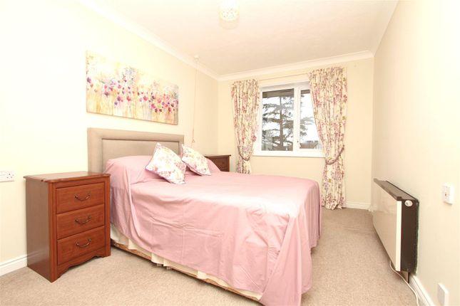 Bedroom 1 of Pinner Hill Road, Pinner HA5