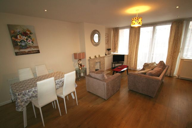 Town house to rent in Horwood Close, Headington, Oxford