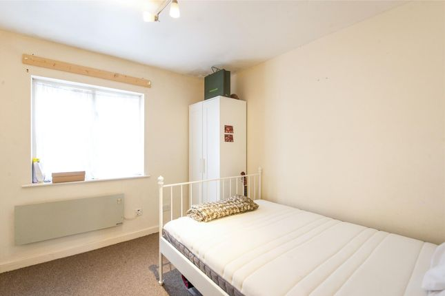 Bedroom of Pageant Avenue, London NW9