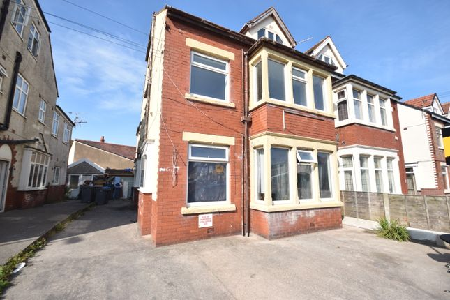 Thumbnail Flat to rent in Luton Road, Thornton-Cleveleys