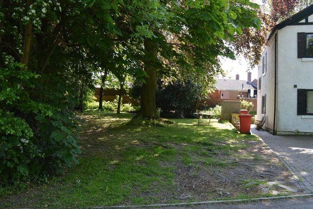 Photo 2 of Roop Cottage, Wakefield Road, Pontefract WF9