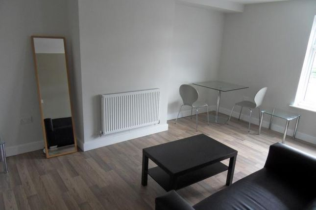 Thumbnail Flat to rent in Coach Road, Wakefield