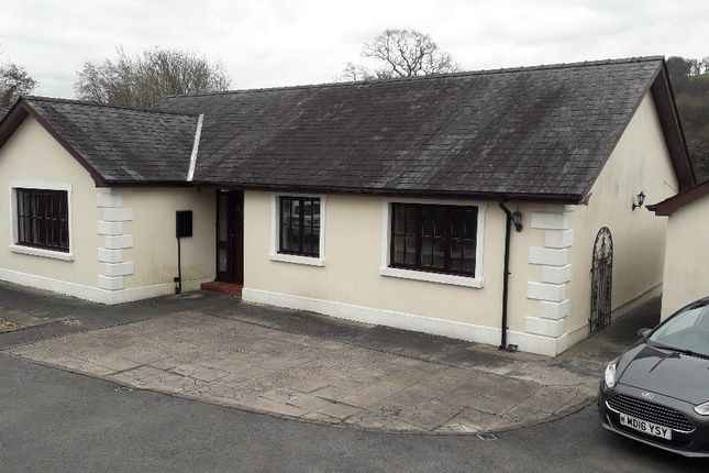 Thumbnail Bungalow for sale in Heol Royston, Llandovery