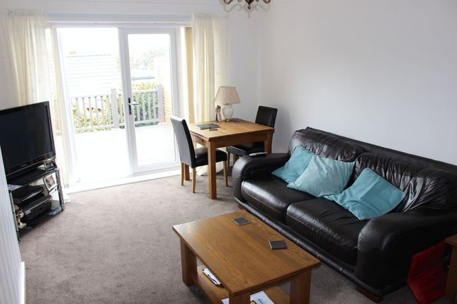 Admirable 2 Bed Bungalow For Sale In Trossachs Road Mount Nod Andrewgaddart Wooden Chair Designs For Living Room Andrewgaddartcom