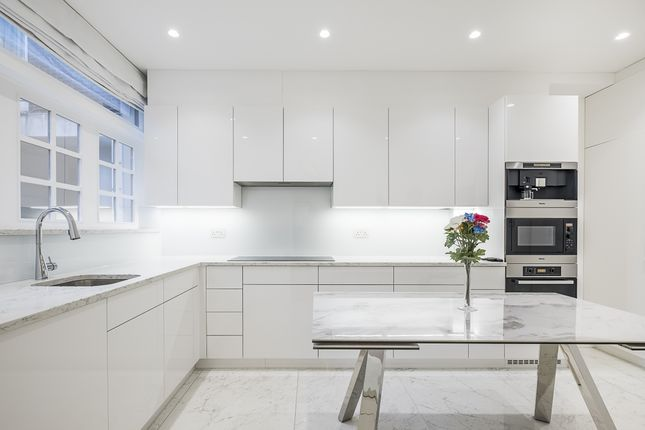 Thumbnail Town house to rent in Brick Street, London