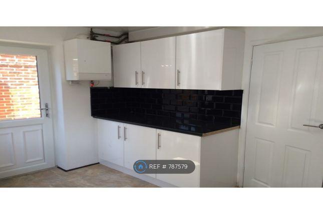 Kitchen 2 of Hempstead Road, Watford WD17
