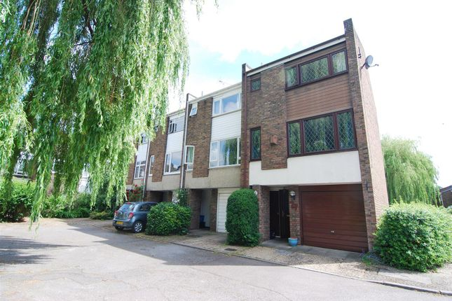 Thumbnail Town house to rent in Beard Road, Kingston Upon Thames