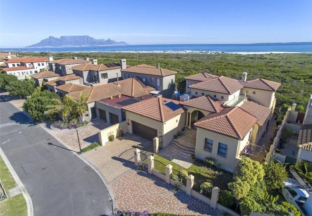 Thumbnail Property for sale in 21 Santa Cruz Crescent, Bloubergstrand, Western Cape, 7441