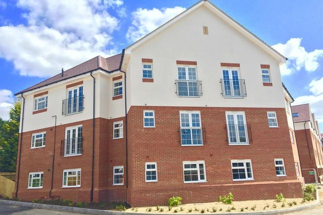 Thumbnail Flat to rent in Glendale, Dellcroft Way, Harpenden