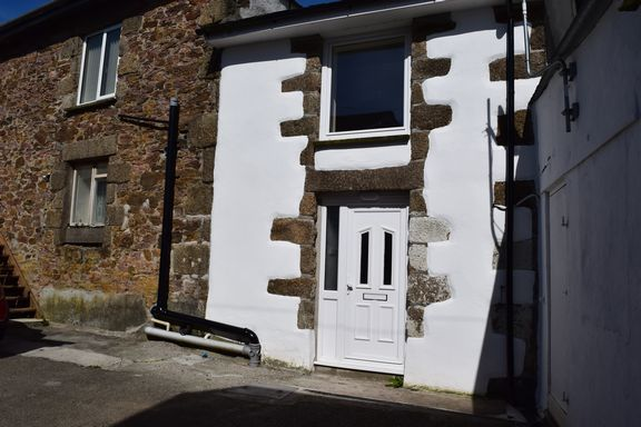 Front Elevation of Miners Row, Redruth TR15