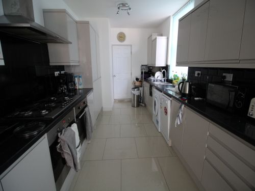 Thumbnail Terraced house to rent in Earlsdon Avenue North, Coventry