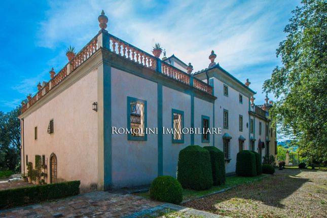 Thumbnail Villa for sale in Florence, Tuscany, Italy