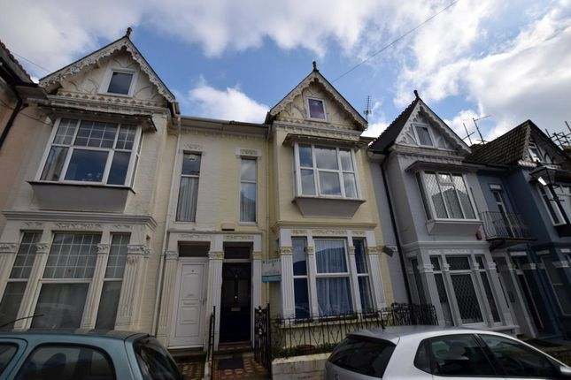Thumbnail Terraced house for sale in Bedford Park, Plymouth, Devon