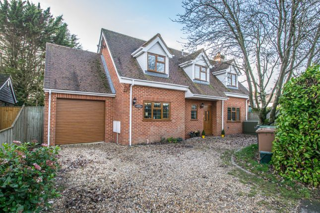 3 bed detached house for sale in Wayside Green, Woodcote, Reading RG8