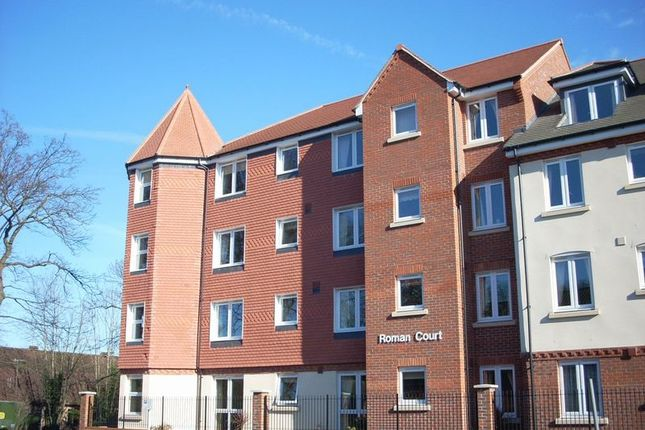 Thumbnail Flat for sale in Roman Court, Edenbridge