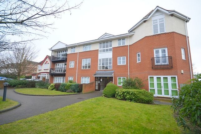 2 bed flat to rent in St. Kathryns Place, Deyncourt Gardens, Upminster RM14