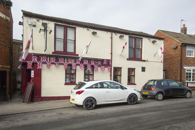 Thumbnail Pub/bar for sale in County Durham - Freehold In Shildon DL4, County Durham