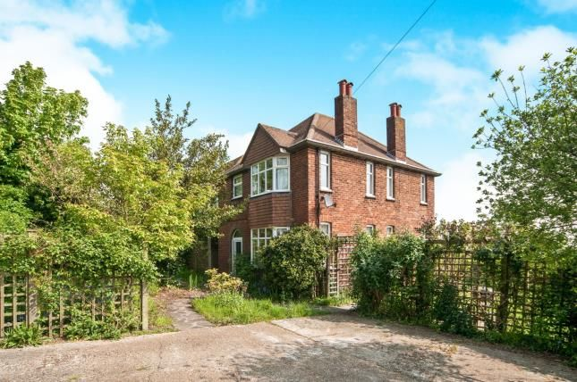 Thumbnail Detached house for sale in Willingdon Road, Eastbourne, East Sussex