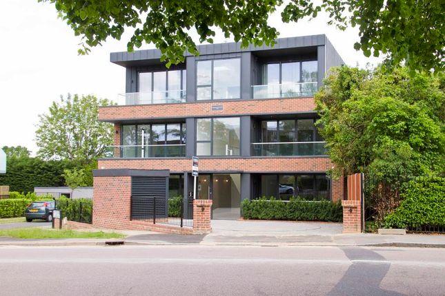 Thumbnail Flat to rent in Eastbury Avenue, Northwood