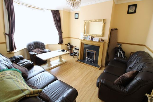 Thumbnail End terrace house for sale in Ferndale Road, Luton