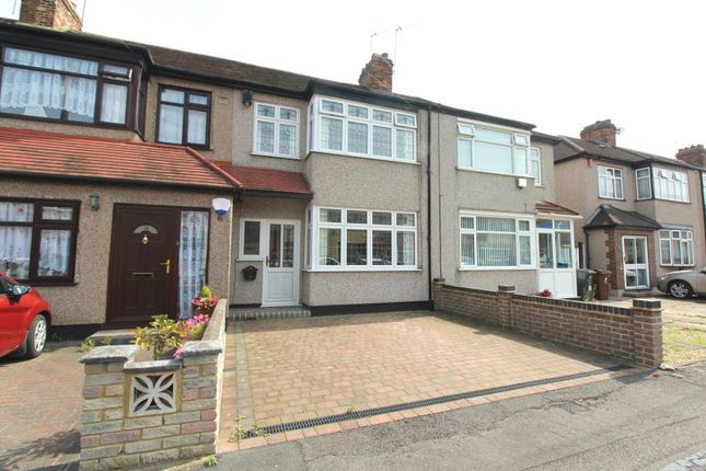 3 bed detached house to rent in Temple Avenue, Dagenham RM8