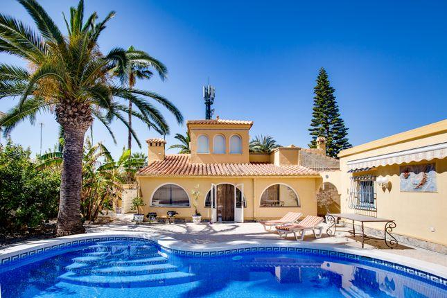 Villa for sale in Salinas Rosa, Torreta, Torrevieja, Alicante, Valencia, Spain