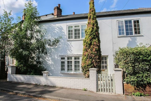 2 bed cottage for sale in Common Road, Claygate, Esher KT10