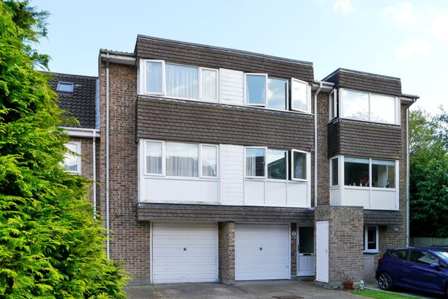 Thumbnail Terraced house for sale in Regency Court, Brentwood