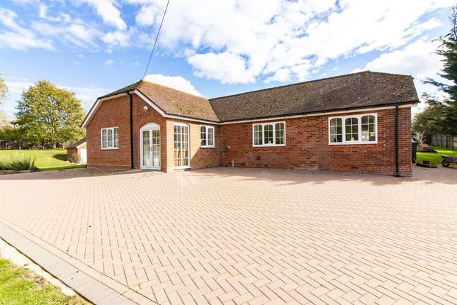 4 bed detached house for sale in Watery Lane, Westwell, Kent TN25