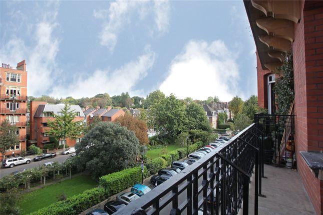 4 bed flat for sale in Oakwood Court, London