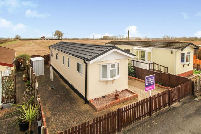 Thumbnail Mobile/park home for sale in Dunhampton, Stourport-On-Severn