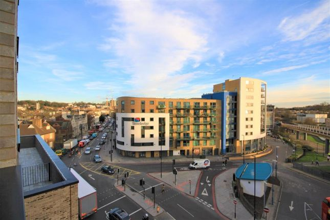 Thumbnail Flat to rent in Collier Court, Deptford Bridge