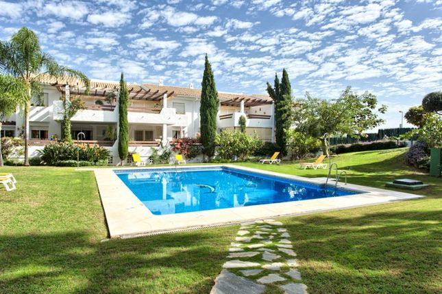 2 bed apartment for sale in Selwo Hills, Estepona, Malaga, Spain
