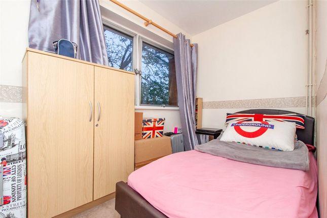 Bedroom B of West Fryerne, Parkside Road, Reading RG30