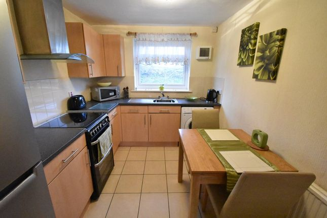 Thumbnail Flat to rent in Station Road, Kippax, Leeds