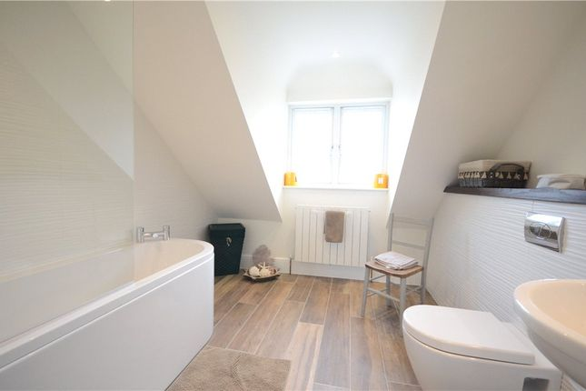 Ensuite of Checkendon, Reading, Oxfordshire RG8