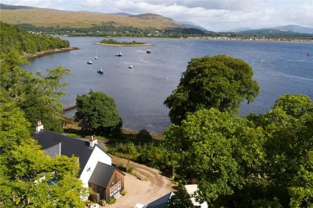 Picture No. 19 of The Moorings, Camusnagaul, Fort William, Highland PH33