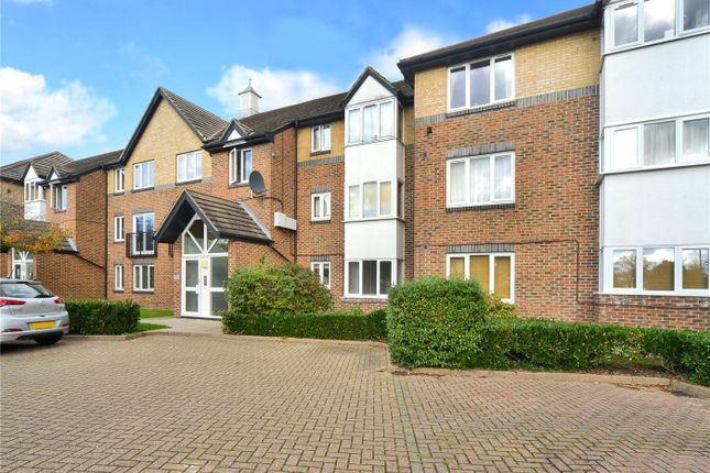 1 bed flat for sale in Cotswold Way, Worcester Park KT4