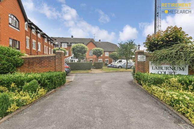 Thumbnail Flat for sale in Laburnum Court, Leighton Buzzard