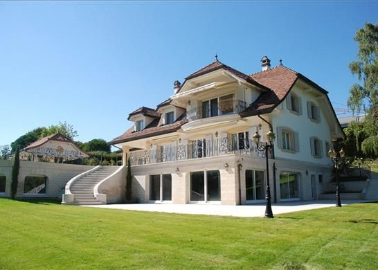 Thumbnail Property for sale in Saint-Sulpice, Switzerland