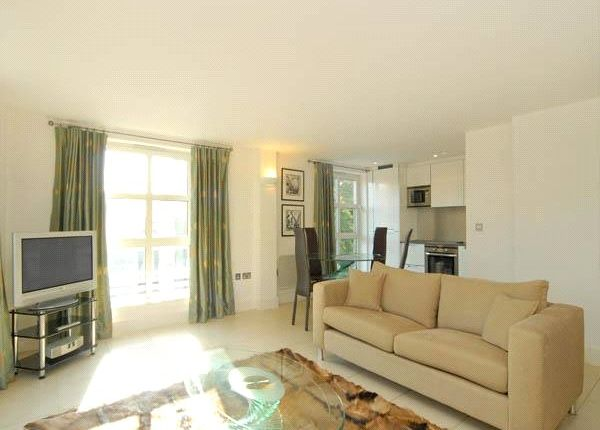Thumbnail Flat to rent in Epstein Court, Angel On The Green, 27A Essex Road