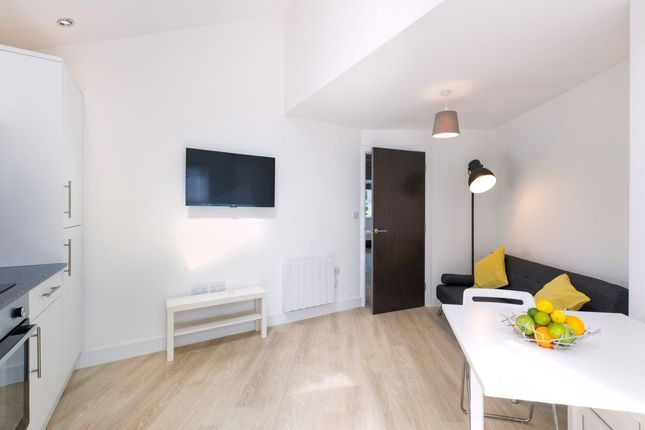 Thumbnail Flat to rent in May Street, Cathays, Cardiff