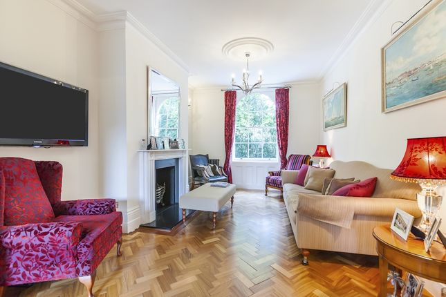 Thumbnail Town house to rent in Crooms Hill, London